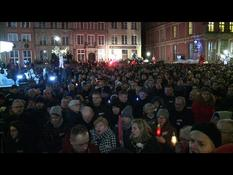 Thousands of people pay tribute to the mayor of Gdansk (2)